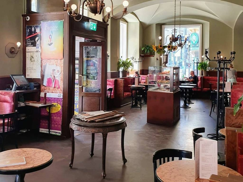 Cafe Eiles