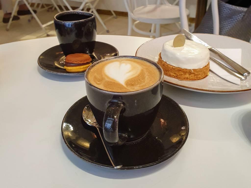 Creme de la Creme Cappuccino und Tarte