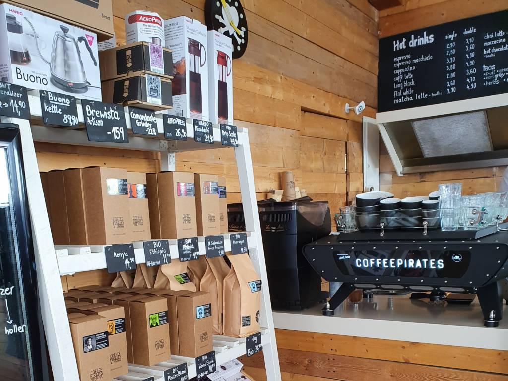 Coffee Pirates Shop und Maschine