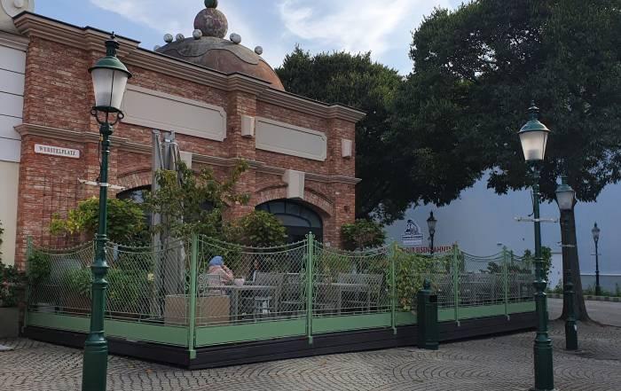 Wiener Rösthaus im Prater von Aussen