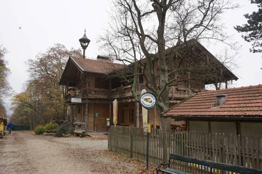 Haus am Weg in Schönbrunn