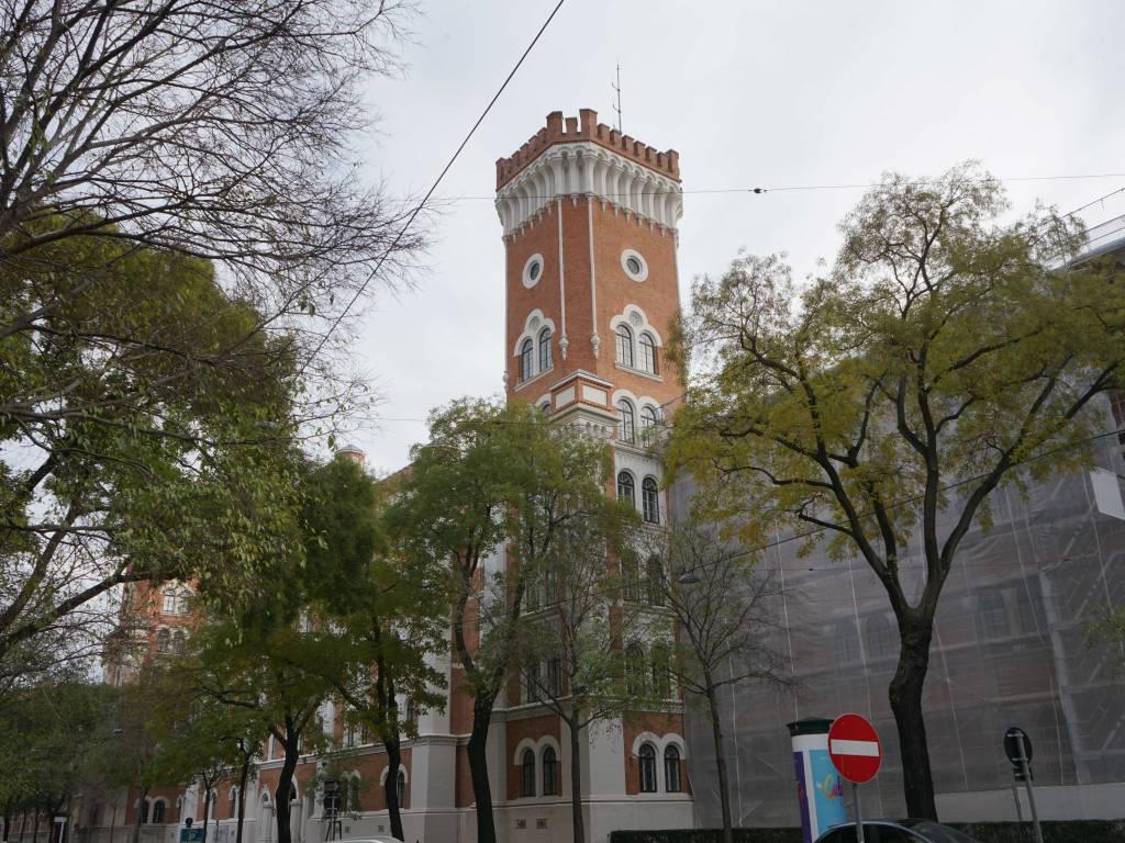 Rossauer Kaserne Coffeewalk Turm Ministerium für Inneres und Landesverteidigung
