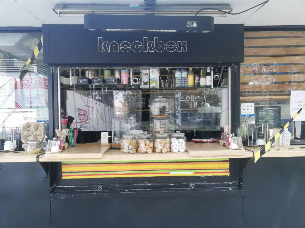 Knockbox Coffeewalk Coffee-To-Go Kaffeestand öffenltich outdoors