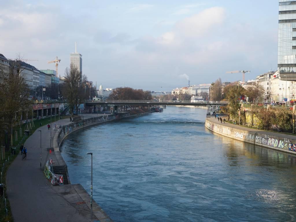 Marienbrücke Coffeewalk Donaukanal