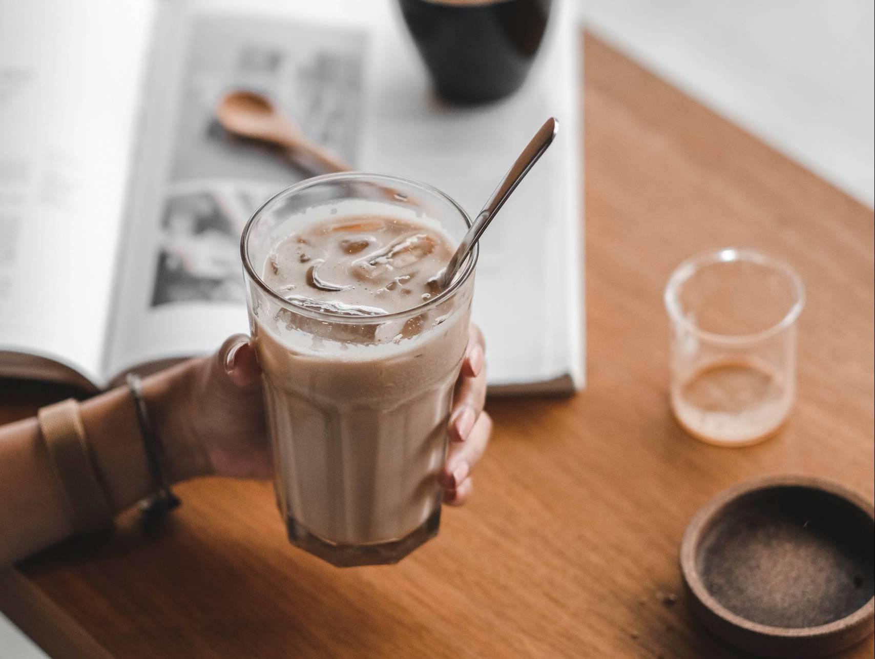 Kalter Kaffee im Glas